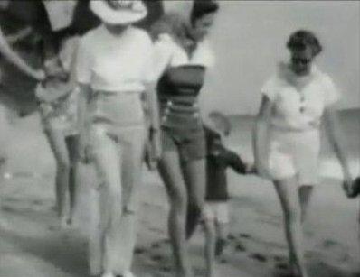 "❖  1941 ❖ Retour chez les ""Goddard"""